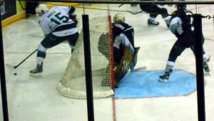 The Aeros kept pressure on San Antonio throught the last home game of the 2013 season. Photo R. Anderson